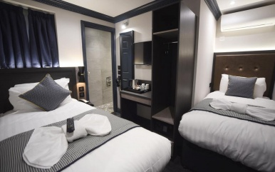 Twin room at The Pack and Carriage